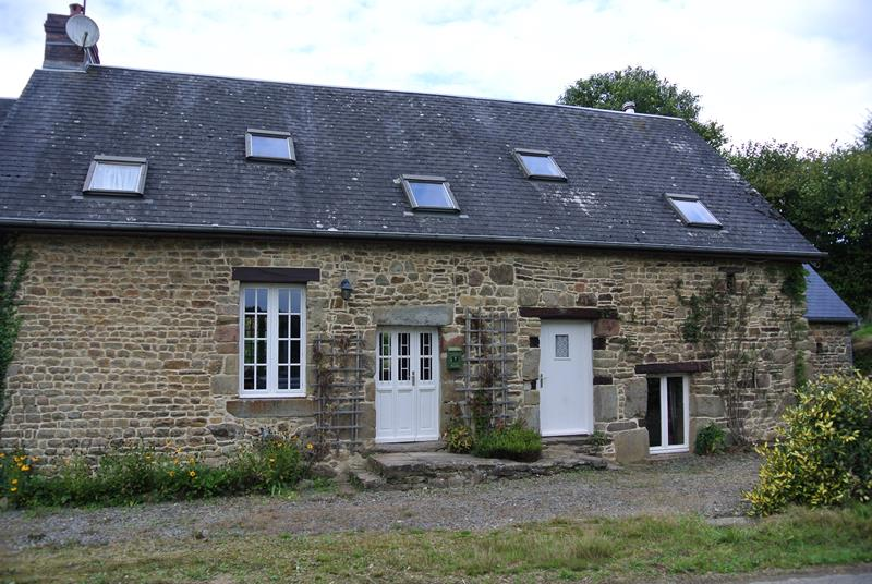 Stone cottage for sale in Normandy with over 10 acres